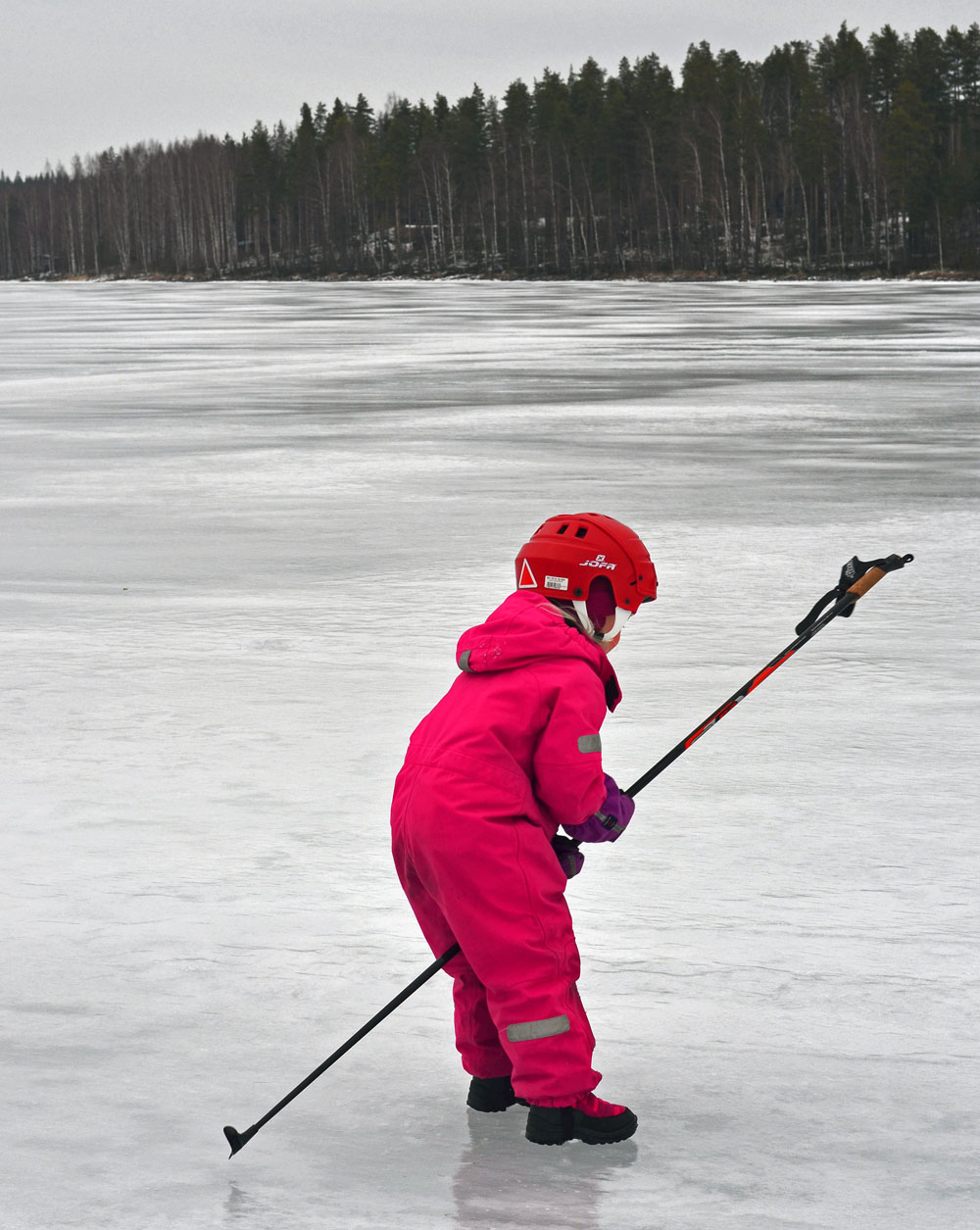 girl-playing-on-ice