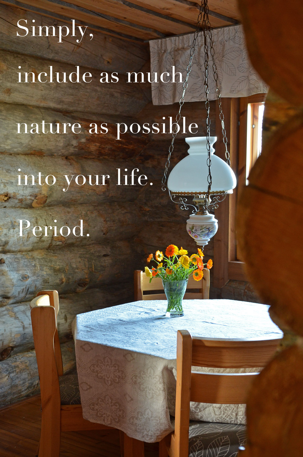 natural-materials-flowers-on-the-table