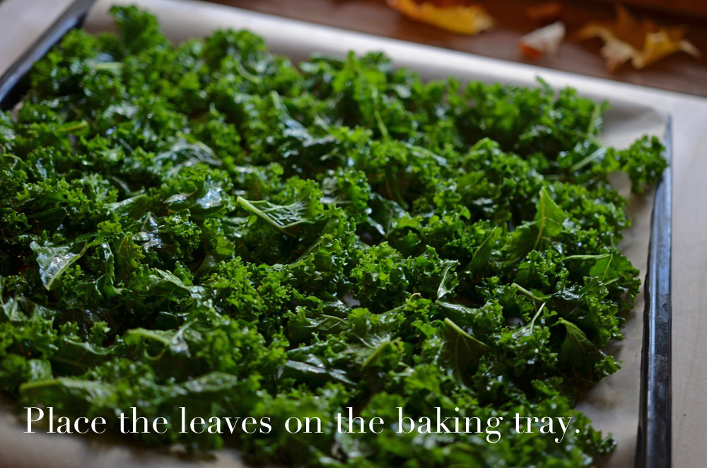 recipe-for-simple-kale-chips-place-on-baking-tray