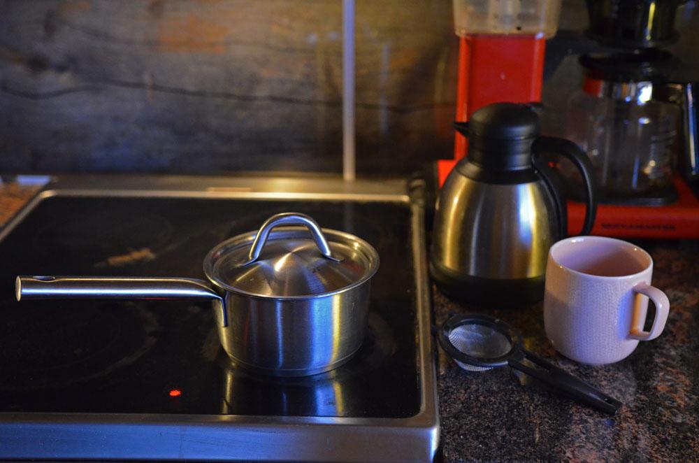ginger tea simmering