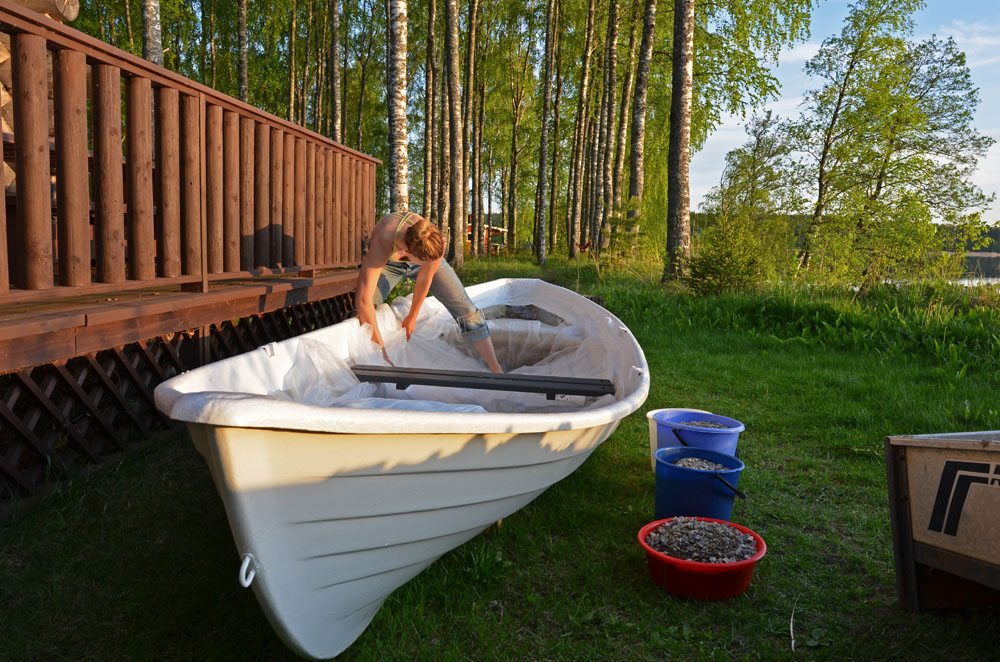 making-vegetable-garden-into-old-boat
