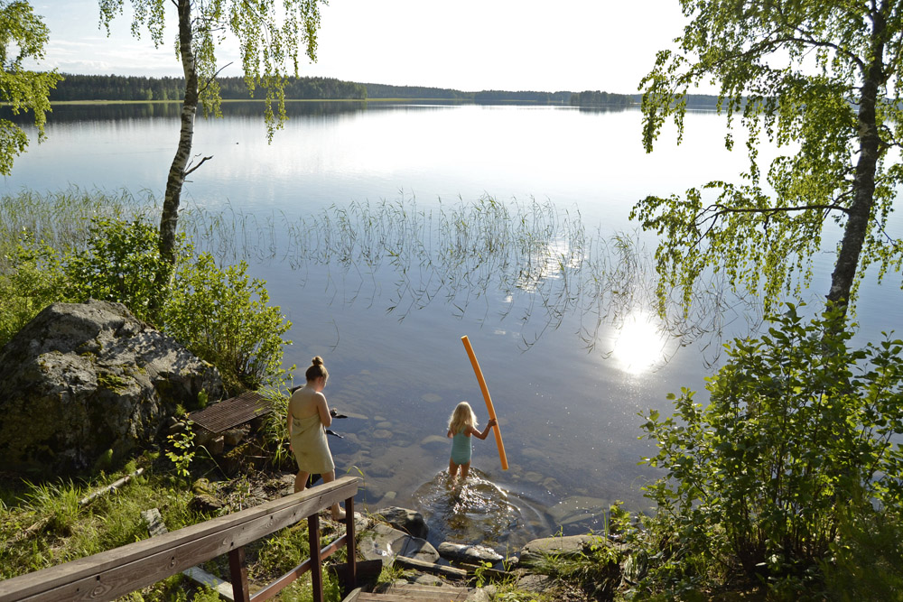 finnish-summer-by-the-lake-saimaa