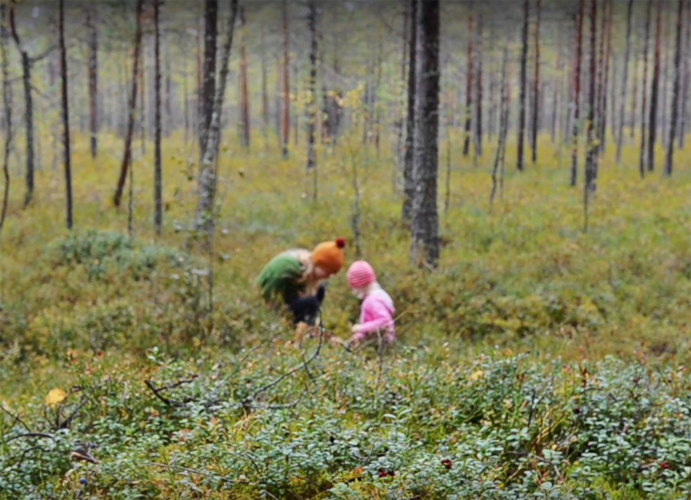 mother-and-child-picking-mushrooms