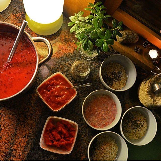 Strawberry overnight oats for tomorrow morning amp whipped lingonberry porridgehellip