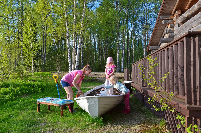 Making a boat garden - SaimaaLife.com