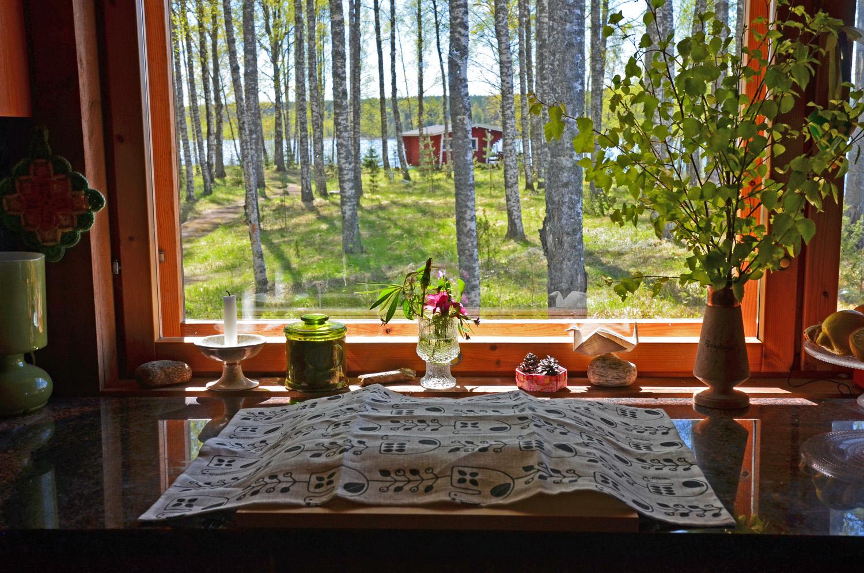 Baking Finnish rhubarb pie - SaimaaLife.com