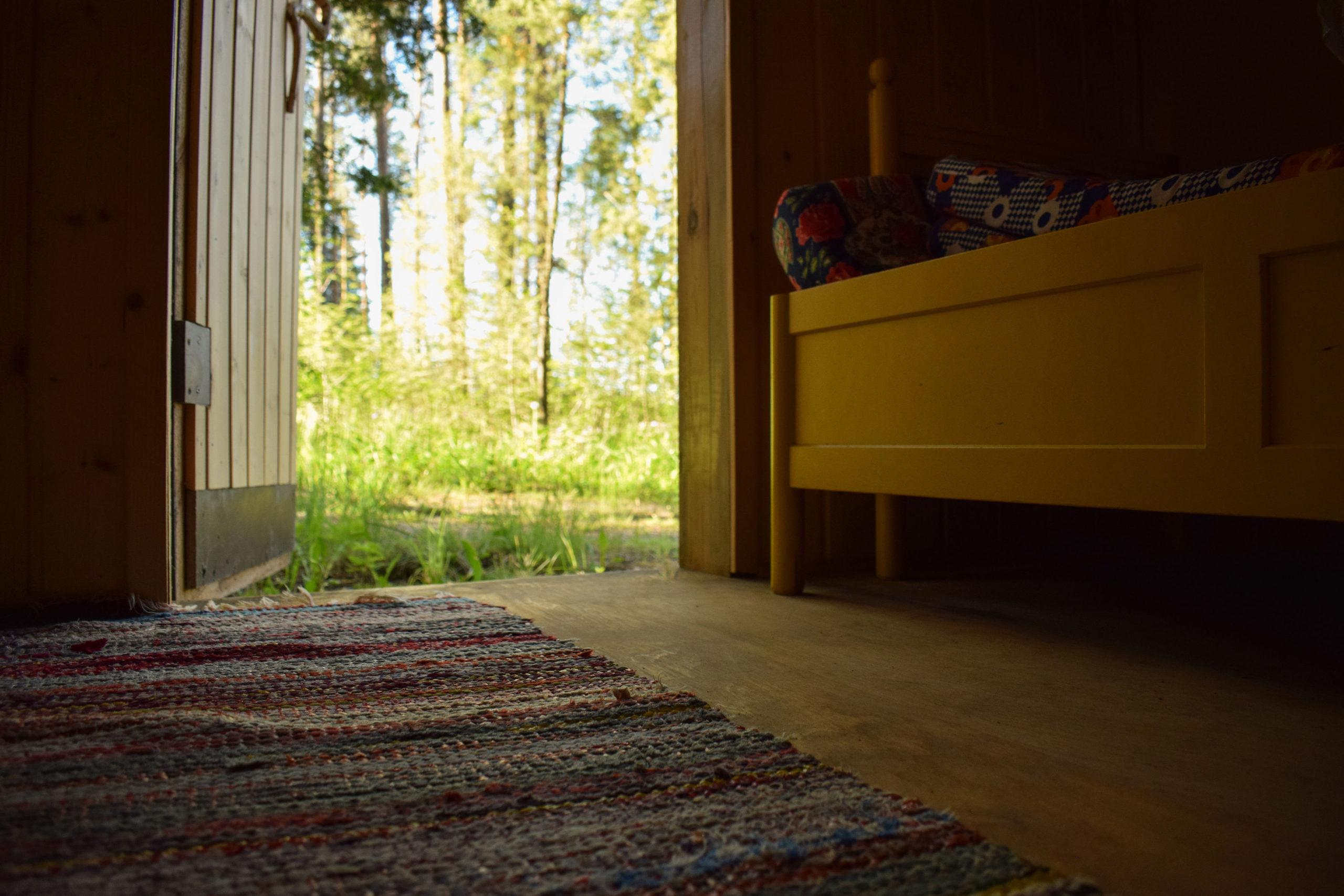 Traditional Finnish summer cottage atmosphere at Kukkoniemen Lomamökit rental cottages in Punkaharju, Saimaa