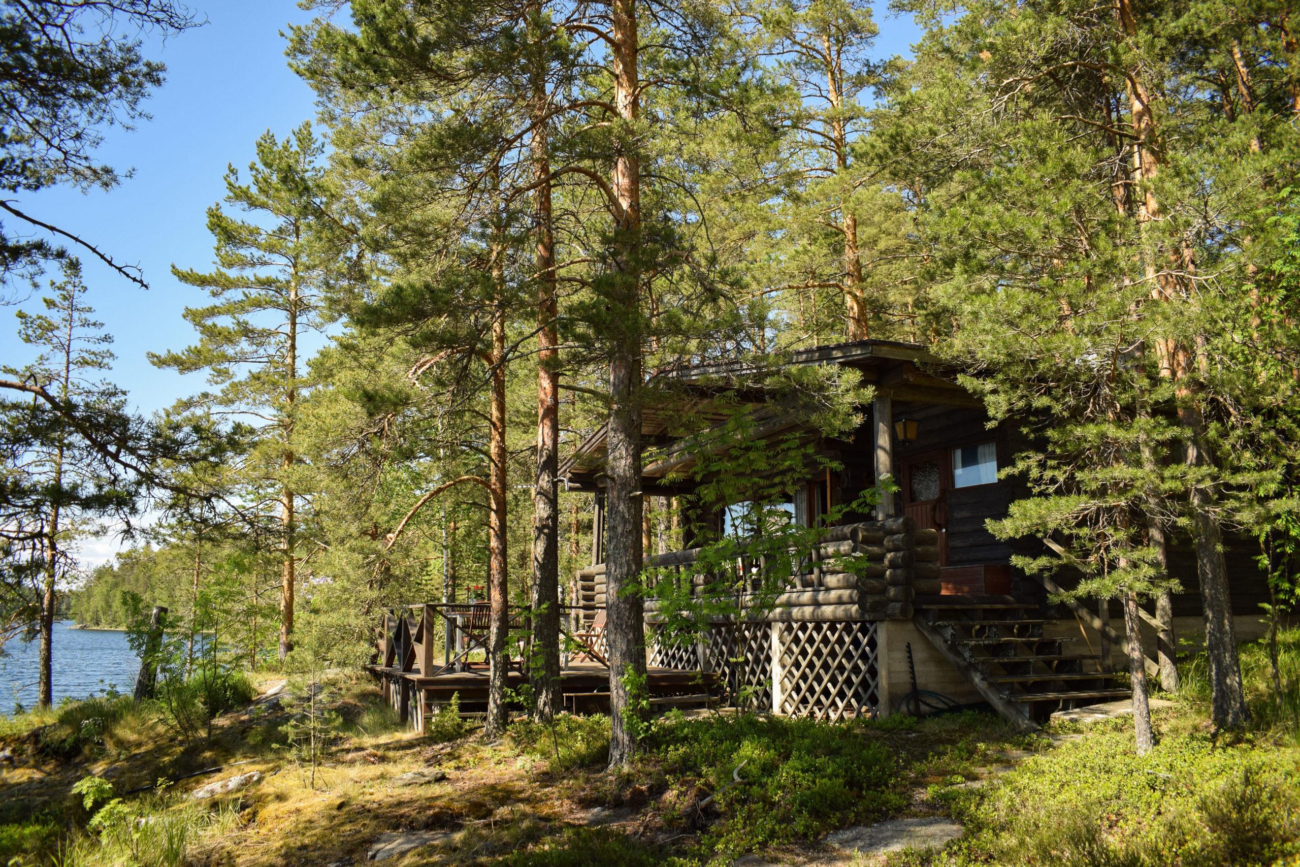 Kukkoniemen Lomamökit traditional Finnish rental cottages in Punkaharju, Saimaa