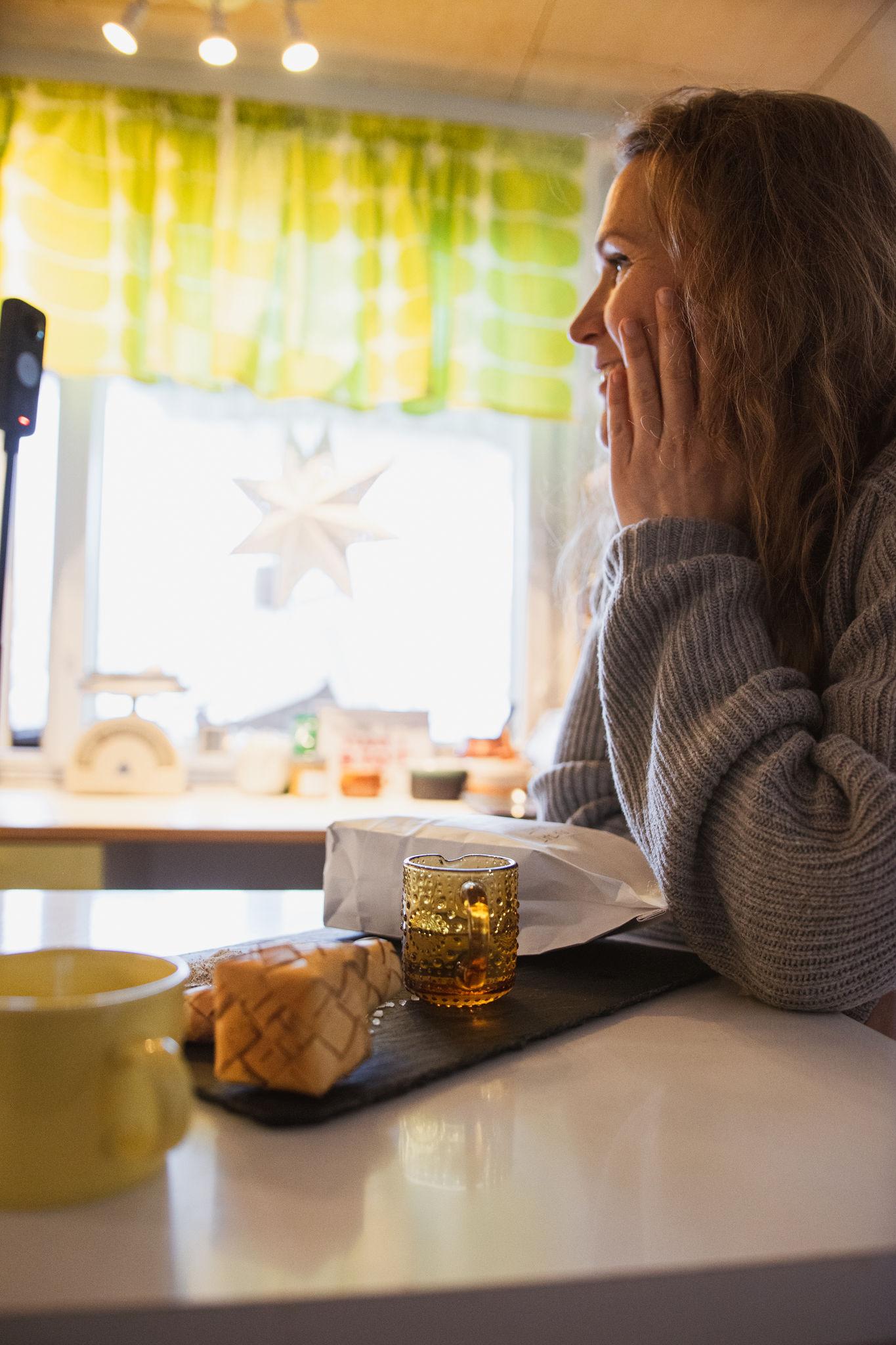 "SaimaaLife Mari waiting to taste simple recipe of Finnish rye cracker, ""Näkkäri"""