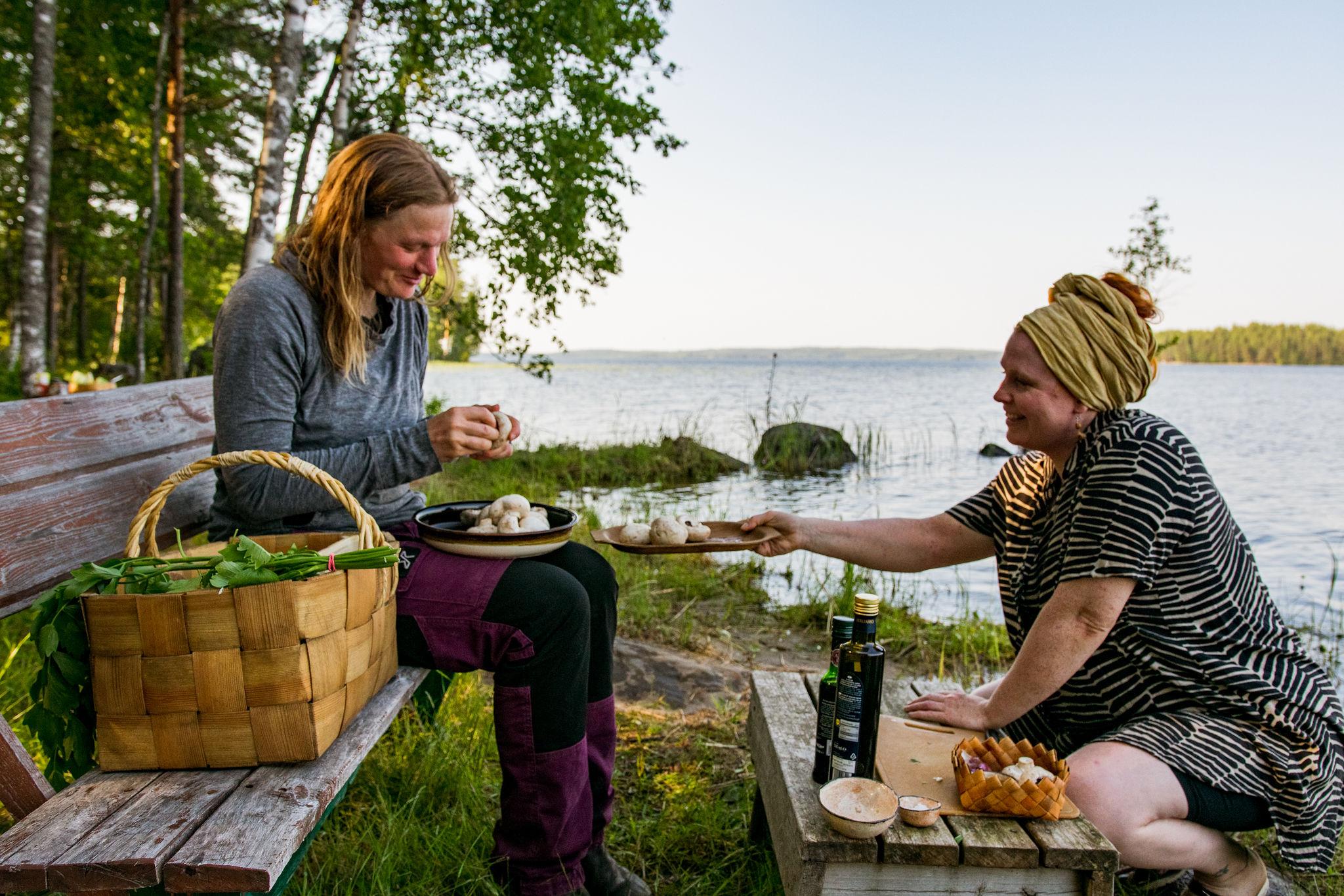 finnish women making saimaalife grilled mushroom skewers